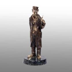 "Бронзовая статуэтка ""Доктор"""