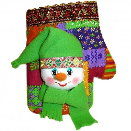 Игрушка лоскутная Рукавица со снеговиком (высота 19 см.)